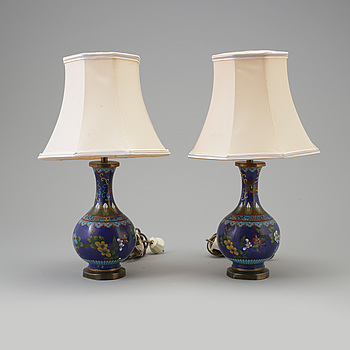 A pair of table lamps. Enamel. 20th century.