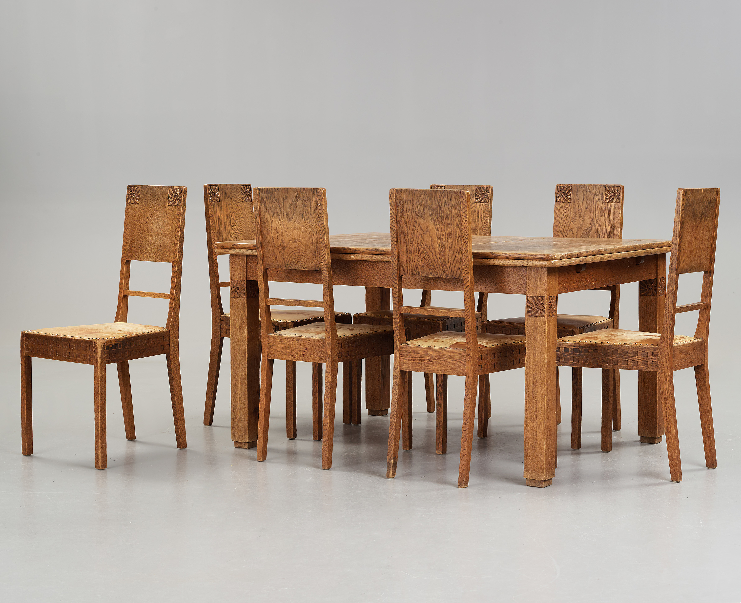 Wondrous A Art Nouveau Oak Set With Dining Table Seven Chairs And A Home Interior And Landscaping Staixmapetitesourisinfo