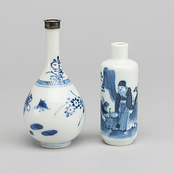 SNUSFLASKOR 2 st Kina Kangxi (1661-1722) porslin.