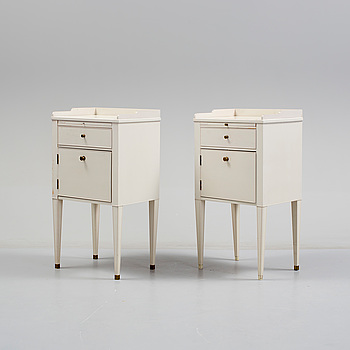 """POTTSKÅP/SÄNGBORD, ett par, """"Västra Ny"""", ur IKEA:s 1700-talsserie."""
