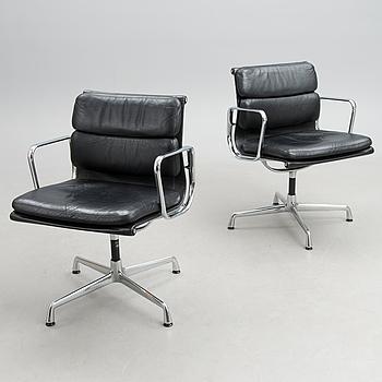 "CHARLES & RAY EAMES, kontorsstolar, ett par, ""EA 208 Soft Pad Chair"", Vitra."