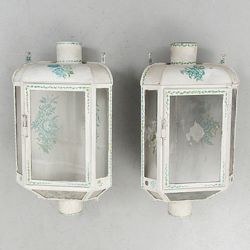 A PAIR OF CORNER WALL LIGHTS, 19th century.