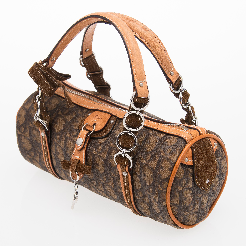 1d04f64983e4 A Monogram Trotter Romantique Round Handbag. - Bukowskis