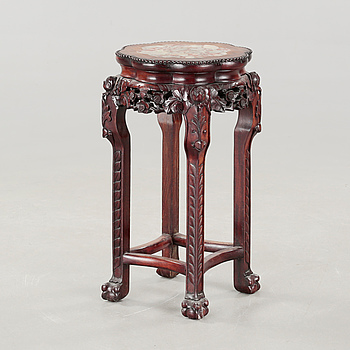 A pedestal from China, 20th century.