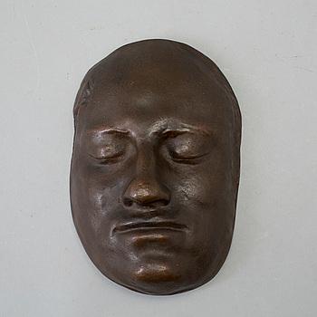 CARL XII:s dödsmask, patinerat järn, 1900-tal. Enligt uppgift Finspångs bruk.