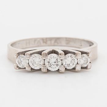 RING, med briljantslipade diamanter ca 0.66 ct.