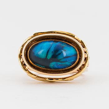 CLAËS E. GIERTTA, Ring med med opal.