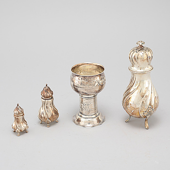 SOCKERRUSKOR, 3 st, samt KALK, silver, K. Anderson samt importstämplar, 1900-talets första hälft.