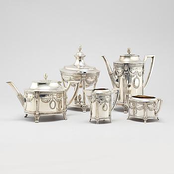 KAFFE- & TESERVIS, 5 delar, nysilver, gustaviansk stil, merpart CG Hallberg, 1900-talets första hälft.