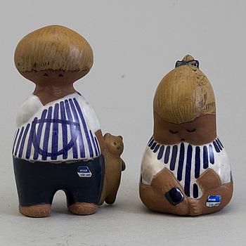 """LISA LARSON, figuriner, två stycken, stengods, """"Malin"""" och """"Johanna"""", Gustavsberg."""