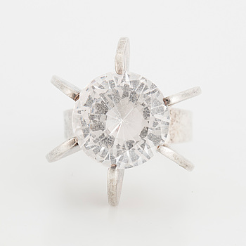 ALTON, Ring with synthetic white spinel.