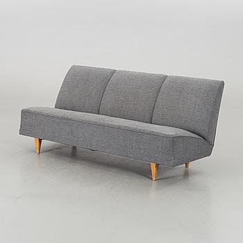 "BRUNO MATHSSON, soffa ""T201"" Firma Karl Mathsson. Formgiven 1939."