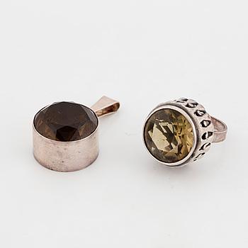 ERIK GRANIT, ring, sterlingsilver Finland, 1971. Samt hänge, sterlingsilver, Finland.