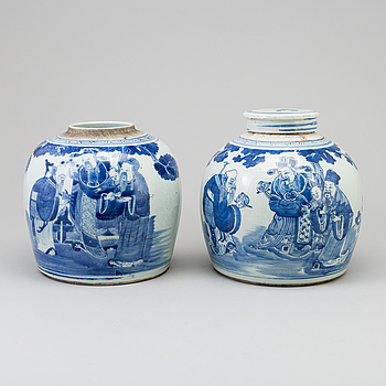 Two large Chinese blue and white porcelain jars, Qing dynasty, 19th century.