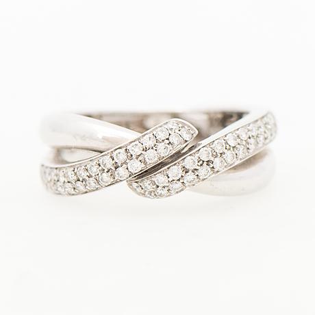 Ring, briljantslipade diamanter, 18k vitguld, finska importstämplar 2000