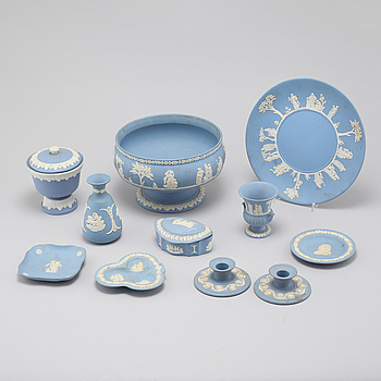 Nine pieces of jasperware from Wedgwood in England, 20th century.