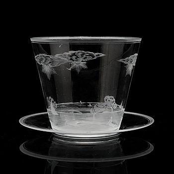 EDWARD HALD, skål med fat av glas, Orrefors. 1920-tal.