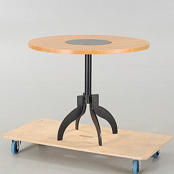 """JONAS BOHLIN, bord, """"Triptyk II"""", Källemo, Värnamo, modell formgiven 1988, daterat 1989."""
