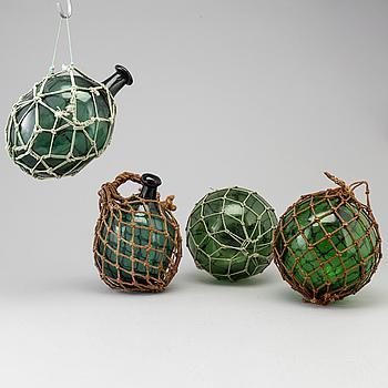FLÖTEN, fyra stycken, glas, omkring 1900-talets mitt.