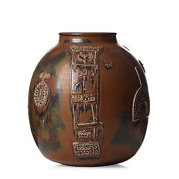78. STIG LINDBERG, a large stoneware jar, Gustavsberg studio, Sweden 1960.