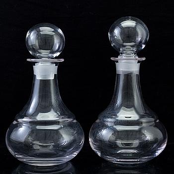 KARAFFER, ett par, glas, 1960/70-tal.