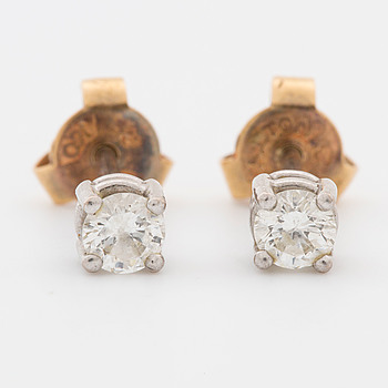 ÖRHÄNGEN, ett par, vitguld med diamanter, tot. ca 0,30 ct,