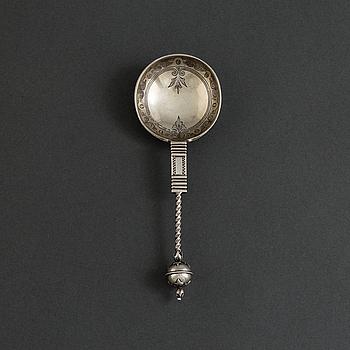 N. M THUNE, brännvinssked av silver, Oslo, Norge 1888. Vikt ca 39 gram.