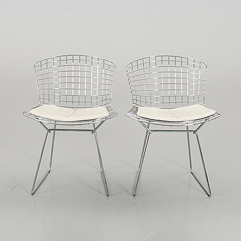 """A PAIR OF HARRY BERTOIA """"SIDE CHAIR"""", Knoll."""