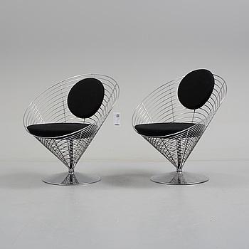 "VERNER PANTON, ett par stolar, "" Wire cone"" , Fritz Hansen, 1980-tal."