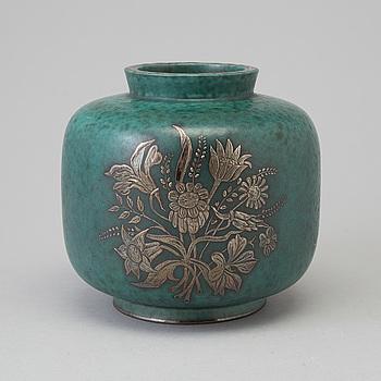 WILHELM KÅGE, an 'Argenta' stoneware vase from Gustavsberg, 1930's/40's.
