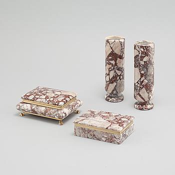VASER, ett par samt ASKAR, 2 st, sten samt metallfattningar, 1900-talets andra hälft.