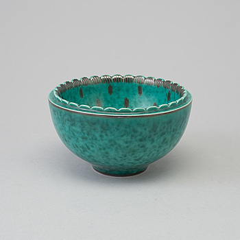 WILHELM KÅGE, an 'Argenta' stoneware bowl from Gustavsberg, 1954. Sample.