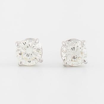 ÖRHÄNGEN, med briljantslipade diamanter totalt ca 1.45 ct.