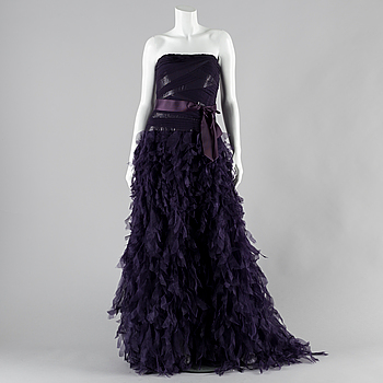 Evening dress by Tadashi Shoji, size 4.