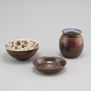 Two bowls and one vase in stoneware, designed Carl-Harry Stålhane for Designhuset, 1970/80s.