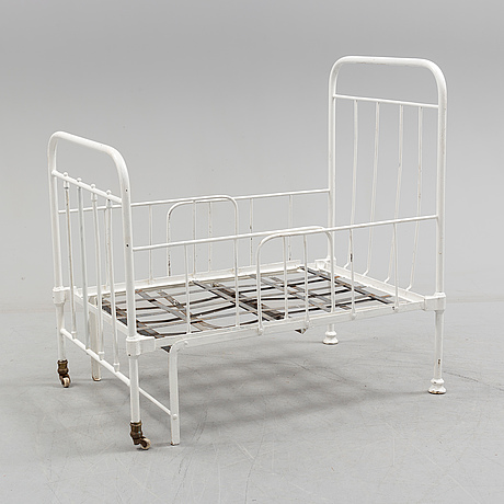 An early 20th century bed.