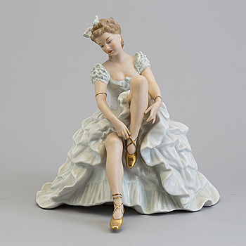 A porcelain figurine from Schaubachkunst Wallendorf, Germany.