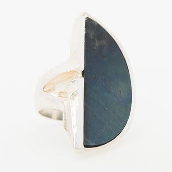 "A ZOLTAN POPOVITS RING, ""Honka"", spectrolite, silver. Lapponia 1991."