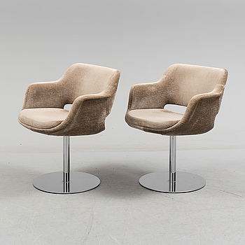 OLLI MANNERMAA, a pair of armchairs by Olli Mannermaa for Martela, Finland.