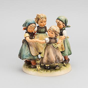 MARIA INNOCENTIA HUMMEL, MARIA INNOCENTIA HUMMEL,  figurine for Goebel 1950's.