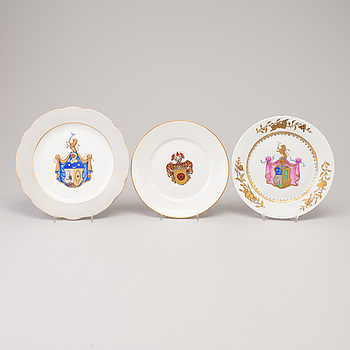 Three European porcelain plates, 20th century.