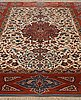 Matto, a semi-antique esfahan, ca 227 x 152,5 cm (as well as the ends with ca 1½ and ½ cm flat weave).