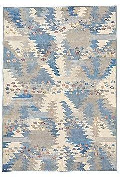 "303. Barbro Nilsson, MATTO, ""Tånga, ljus, blå, grå"", flat weave, ca 302 x 206,5 cm, signed AB MMF BN."
