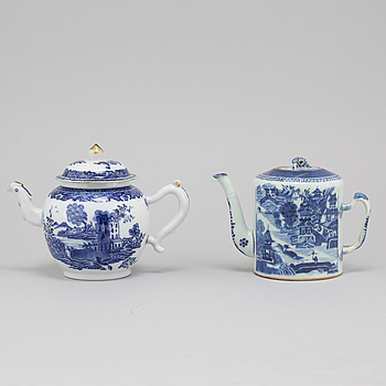 Two late 18th century porcelian chinese teapot.