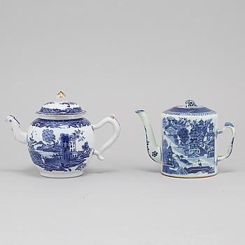 TEKANNOR, 2 st, porslin, kompaniporslin, Kina, Qingdynastin, sent 1700-tal.