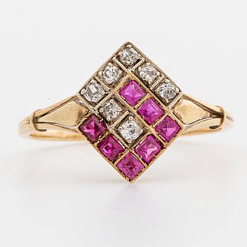 RING, 14K guld med diamanter.