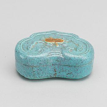 ASK med lock, porslin, Kina, sen Qingdynasti, omkring 1900.