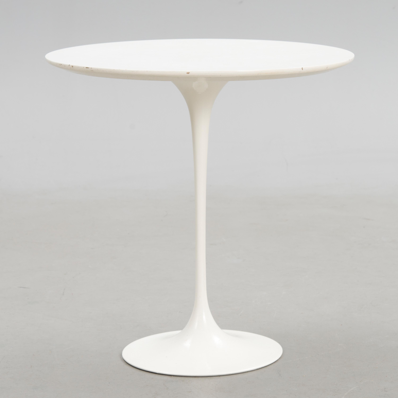 EERO SAARINEN A Tulip Side Table ¸ 51 cm by Knoll Bukowskis