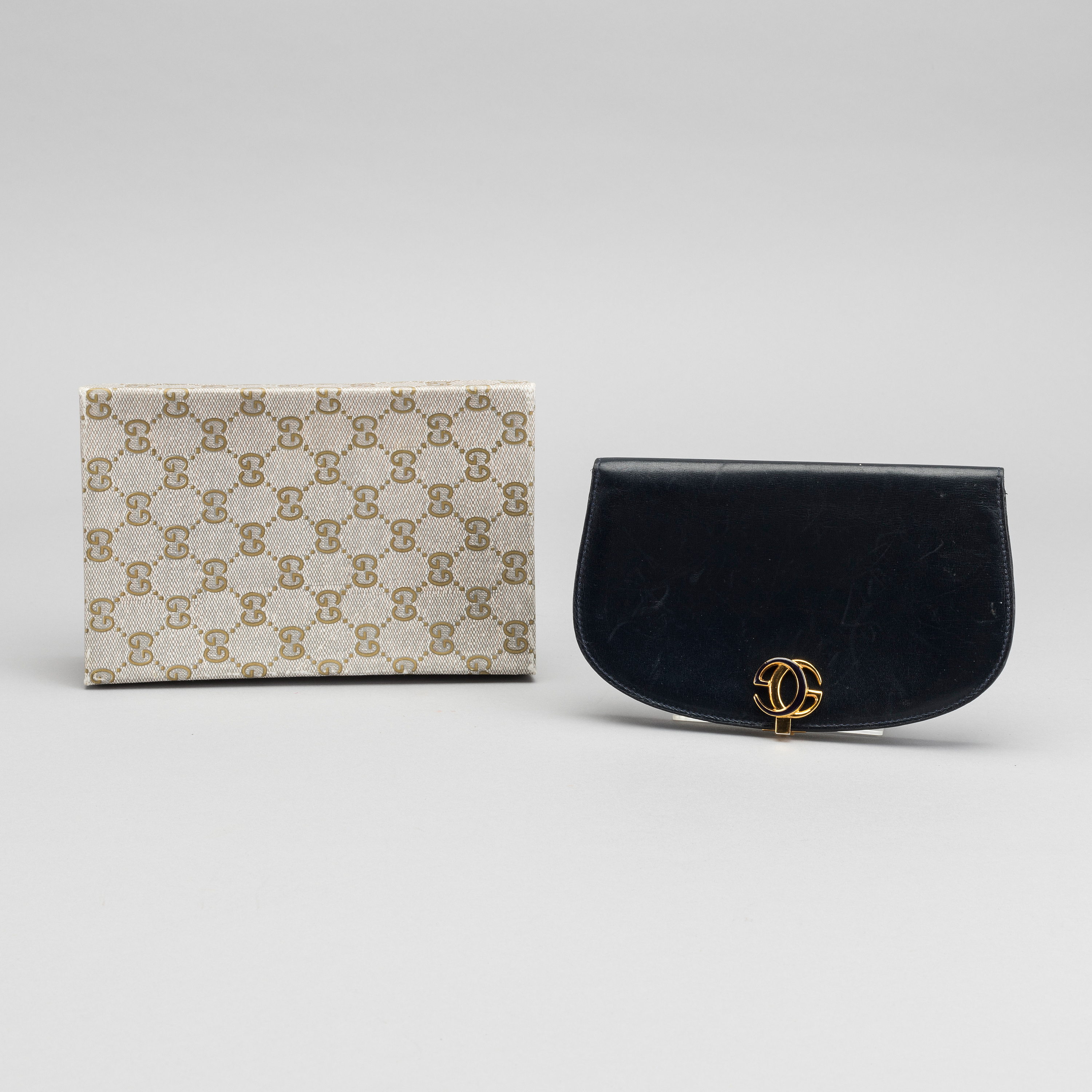 45f30708618a GUCCI, coin wallet. - Bukowskis