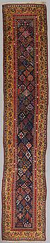 GALLERIMATTA, antik Kaukasisk ca 480x90 cm.